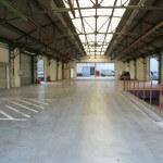 Senlis - Location entrepôt - quai de déchargement interieur clair