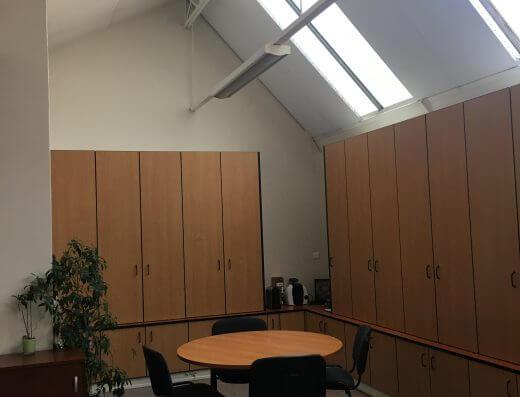 Senlis - Location bureaux 2G - table ronde ex FCN
