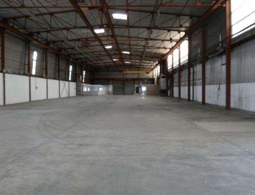 Senlis - Location entrepôt 1664 m2 Beauval - vue depuis le fond